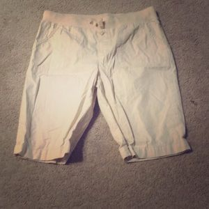 3/$15 girls Faded glory khaki shorts